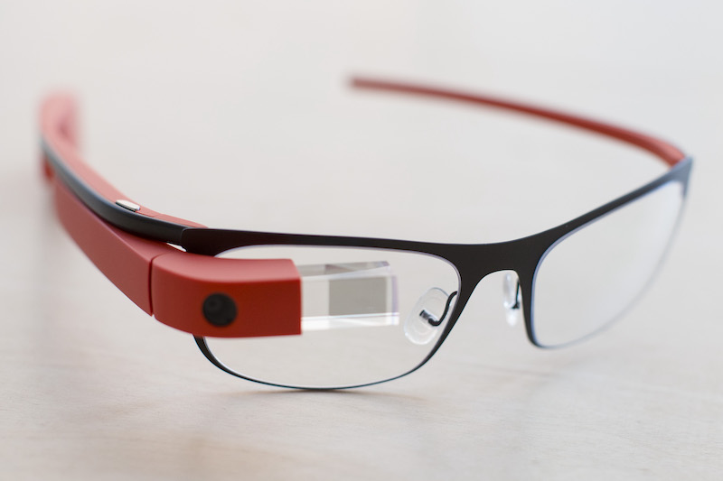 Kính thông minh (smart glasses) là gì? Có những tính năng gì đặc biệt?