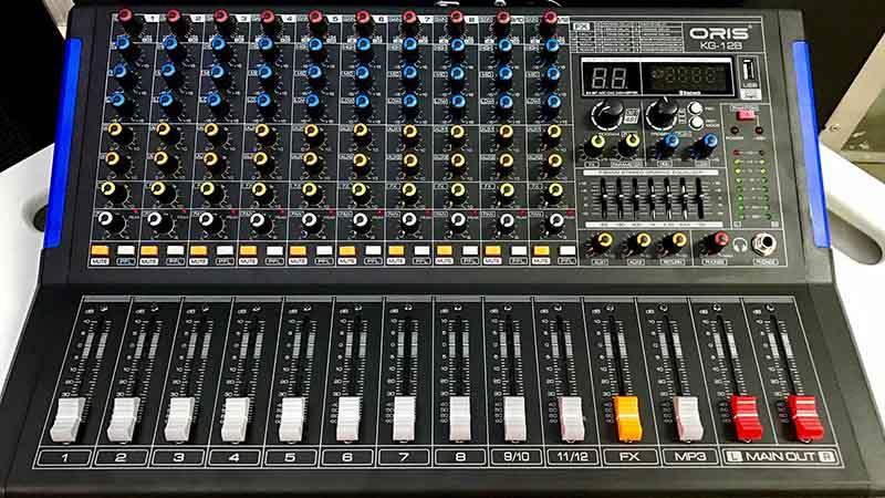 Bàn mixer Yamaha MG24/14FX
