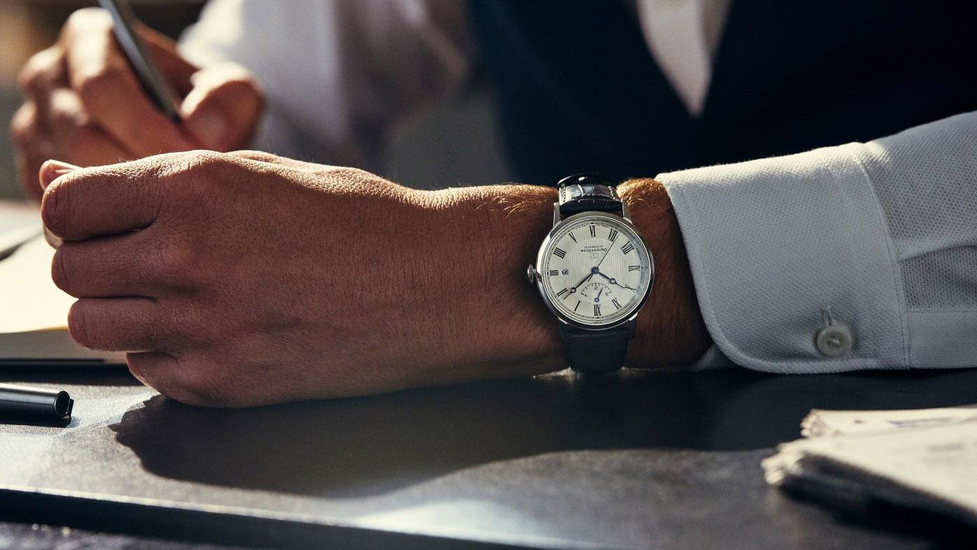 Các phụ kiện như đồng hồ đóng góp rất lớn cho từng phong cách ăn mặc