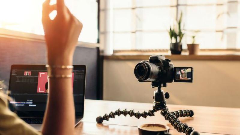 Xác định thể loại Vlog cho kênh của bạn