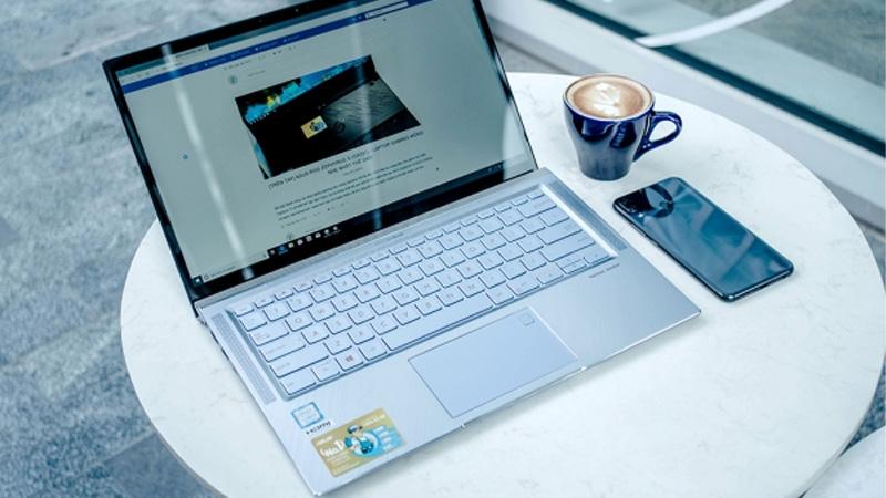 Không để laptop gần những nơi có kiến