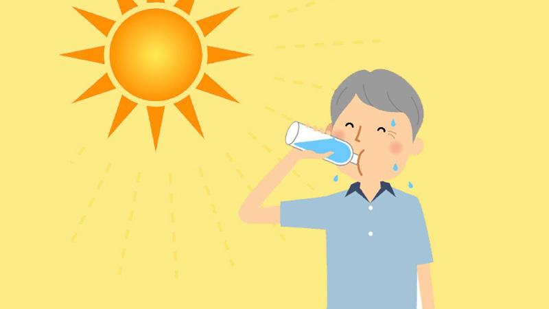 Uống nhiều nước để đảm bảo sức khỏe