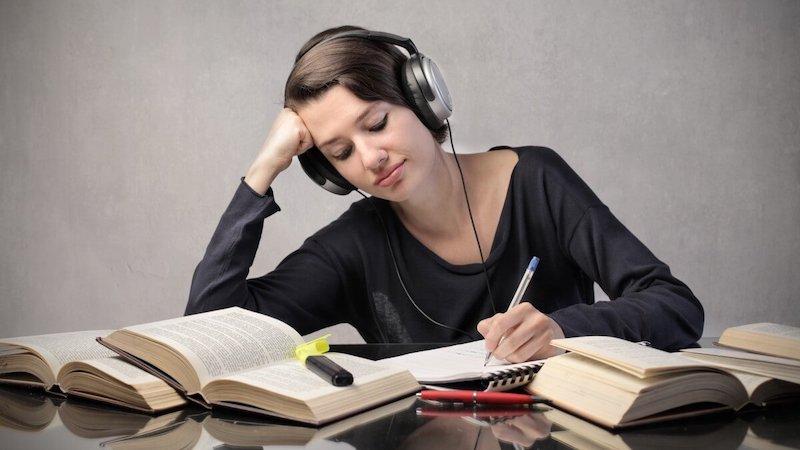 Bạn có thể nghe nhạc trong lúc học