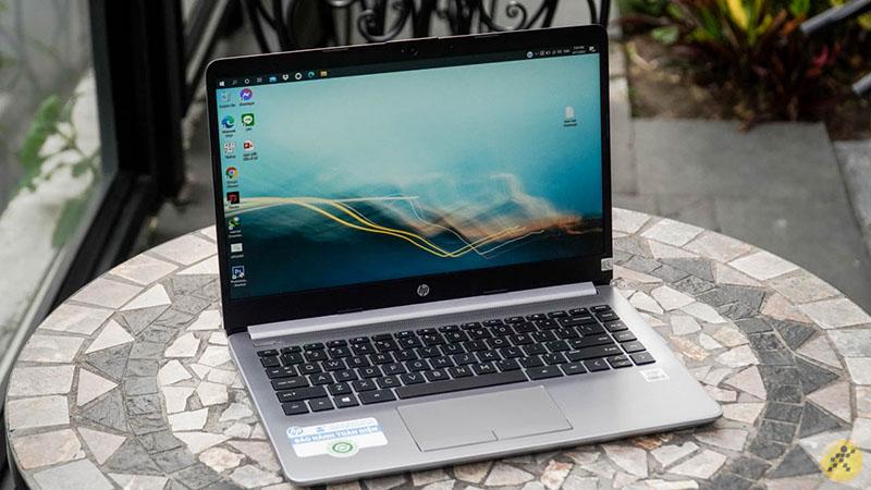 Laptop HP 240 G8 i3