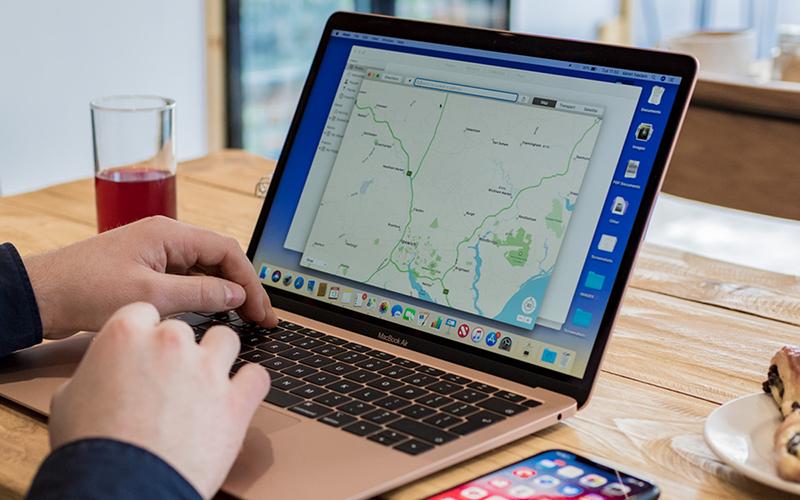 Điều chỉnh độ sáng đèn bàn phím trên MacBook không có Touch Bar