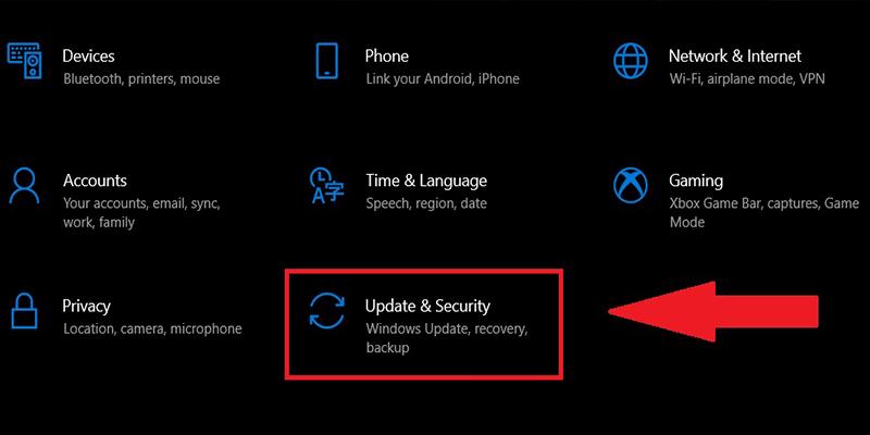 Click chọn Update & Security