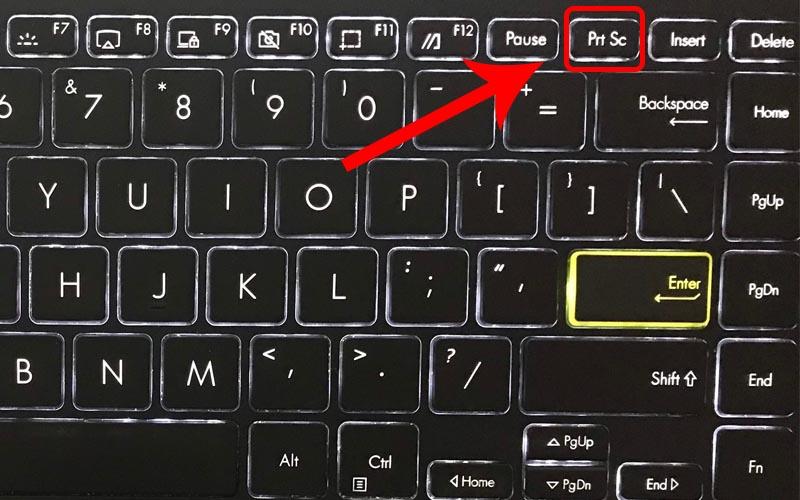 Nhấn phím PrtSc trên bàn phím để chụp màn hình máy tính