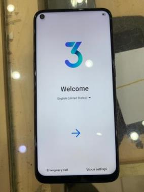 Vsmart Live 4 (4G+64G) Đen lam ngọc