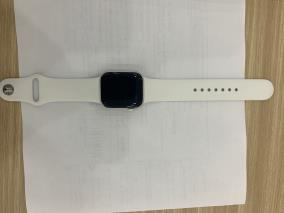 Apple Watch S6 GPS, 40mm Silver Aluminium Case with White Sport Band - Regular (MG283VN/A)
